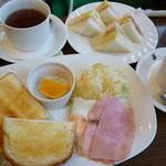 元町サントス - トーストのモーニング