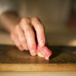 鮨 銀座 おのでら - 料理写真:本マグロの握り
