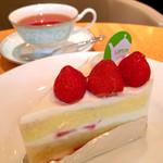 ティーハウス リプトン - 苺のショートケーキとアールグレイティー