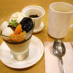 茶語 - 凍頂ウーロンと黒密ときなこのパフェ