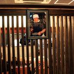 大勝軒 しのや - 店内を入ると出迎えてくれる、東池袋大勝軒創業者山岸さんのお写真。2010年5月撮影。