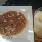 Calm cafe - シナモンワッフル