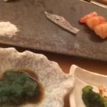鮨辰 - おまかせおつまみ。真鯛とボタン海老