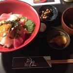 漁屋 - ランチの海鮮丼