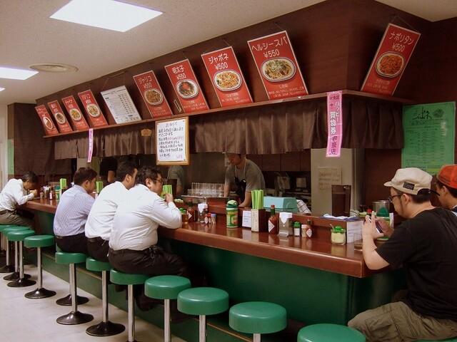 https://tabelog.ssl.k-img.com/restaurant/images/Rvw/40933/640x640_rect_40933673.jpg