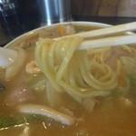 チャイナタウン - 太い丸麺