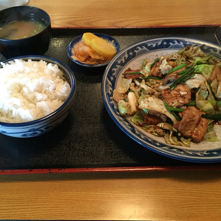 十五万石 - 料理写真:⚫︎回鍋肉定食=830円