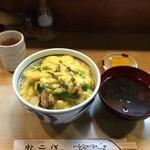 とり安 - 親子丼880円