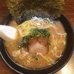 麺達うま家 - らーめん(並盛)680円