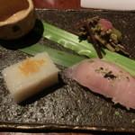 キュイジーヌ・ド・オオサカ・リョウ - 前菜(長芋・金目鯛のにぎり・ふきのとう・モズク)