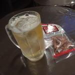 櫻井商店 - 「伊達」ハイボール330円、「焼足」110円