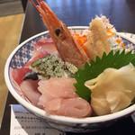 牧原鮮魚店 - 上海鮮丼980円