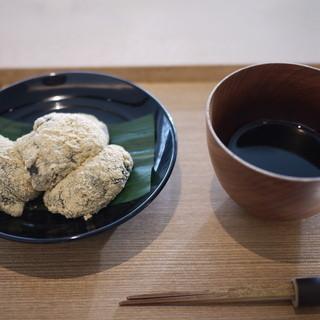 茶洒 金田中 - 料理写真:本わらび餅に黒蜜