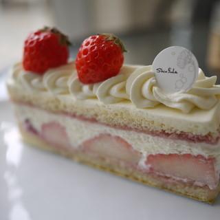 シンフラ - 料理写真:苺のショートケーキ