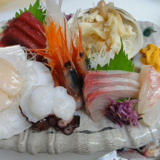 季節に合わせた、美味しい旬魚をご用意しております!