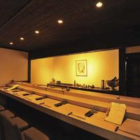 カウンターは個室になっており、ディナーや接待にも最適な空間!