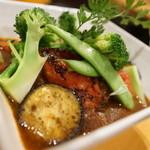 銀の舞 - 樽前豚と夏野菜のラグー