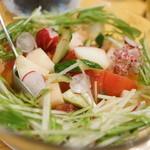 銀の舞 - トマトとモモのサラダみかんドレ