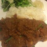 キッチンバスタブ - 豚トロ大蒜の芽カレー