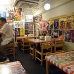 スパゲッティーのパンチョ - 平日午前11時15分の店内。