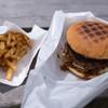 いきまつバーガー - 料理写真:「ベーコンエッグバーガー」(480円)+「セットポテト」(+120円)。バリうまッ!