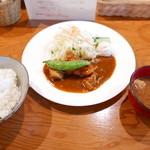 七番館 - Aランチ(チキンカレー煮込み)720円