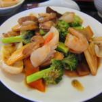 紫禁城 - 海鮮とブロッコリーのドウチ醤、しょう油炒め ¥924