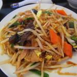 紫禁城 - 豚細切り、野菜、春雨炒め ¥840