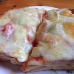 コメダ珈琲店 - ふぁふぁのパンに玉子たっぷりのピザでした(*´д`*)470円