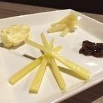 ワインカフェ - チーズ盛り合わせ