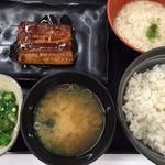 吉野家 - 麦とろ鰻皿御膳(¥880)