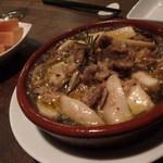 カルピンテーロ - ラム肉とエリンギのアヒージョ