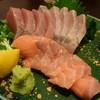だんろ - 料理写真:刺身の盛り合わせはサーモン、カンパチ、初ガツオ。。。
