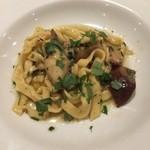 カルネヴィーノ - ポルチーニ茸のタリオリーニ