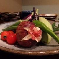 旬な鮮魚、有機野菜、お酒をご提供させて頂いてます。