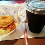 ケンタッキーフライドチキン - 料理写真:ビスケットチキン(トマトサンド)+アイスコーヒーS350円