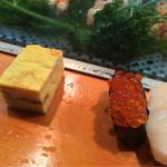 三ます - 「松すし」1600円のイクラ、玉子