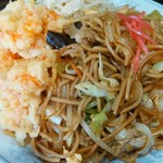 新華苑 - 料理写真:海老天とソース焼きそば。