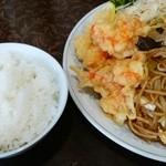 新華苑 - 料理写真:日替わり定食、ソース焼きそば・エビの天ぷら・小ライス850円