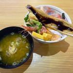 目利きの銀次 - 海鮮こぼれ丼