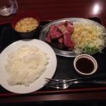 小松屋 - 熟成ステーキ定食1382円