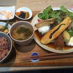 41201517 - 野菜ランチ1200円也