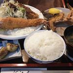 41227159 - 大海老フライと焼き魚の定食 900円