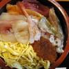 吉江寿司 - 料理写真:ランチ生ちらし(800円)