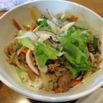サンタランド - 料理写真:ぶたどんぶり(スープ・サラダ付)700円