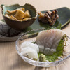 おばた - 料理写真:コースの小鉢とお造り 季節により内容は変わります