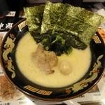 神山 - 料理写真:濃厚とんこつ塩ラーメン(細麺)