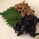 天狗舞 - ごりと胡桃の佃煮。胡桃が日本酒に合うのはなるほどと思いました。