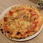 ナポリス ピッツァ&カフェ - ピザ カプリチョーザ