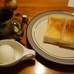 にしむら - 料理写真:2015.08 300円のコーヒーに付いてくるモーニングサービス。